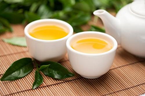 5 thời điểm không nên uống trà xanh kẻo bị nhiễm độc